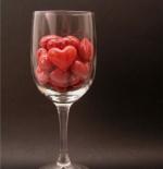 صورة قلوب في كأس