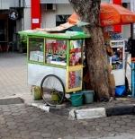 Chihampelas pedlars in Bandung