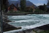 Standing wave at sluice gate, Interlaken