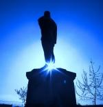 التمثال الأول من أتاتورك