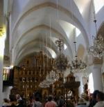 الكنائس في البلدة