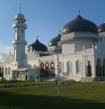 صورة باندا اتشيه المسجد الرئيسي في اندونيسيا
