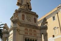 اليانور تمثال أوريستانو