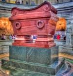 قبر نابليون بونابرت ، باريس