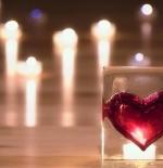 صورة قلب من زجاج