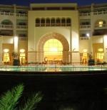 أحد فنادق مدينة الحمامات