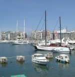 ميناء بيرايوس