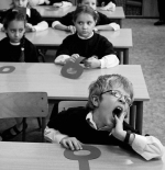 صورة اطفال في فصل المدرسه