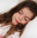 صورة الطفلة الجميلة النائمة