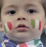 صورة طفل مشجع