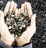 صورة قلوب كالحجر