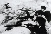 اليهود نساءً ورجالاً في مستعمرة في النقب جنوب فلسطين 1948