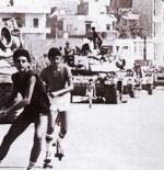 شباب اللبناني المسيحي قرب اليهود يحاصرون ضواحي المسلمين