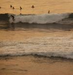 الامواج في بالي