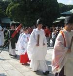 صورة موكب الزفاف أمام ضريح ميجي