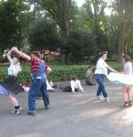 صورة الرقص على الأغاني اليابانية