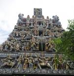 خارج المعبد في سنغافورة