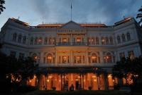 فندق رافلز في سنغافورة