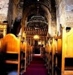 داخل احد الكنائس في لارناكا