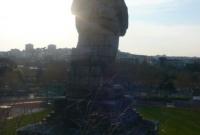 تمثال في مدينة كان