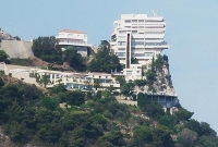Cliff-top Hotel