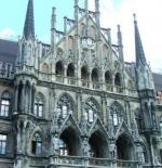 قاعة المدينة في مارينبلاتز ميونيخ