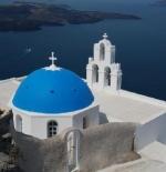 كنيسة القبة الزرقاء الشهيرة سانتوريني