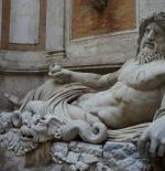 تمثال في مدينة روما