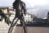 تمثال في مدينة مونتركس