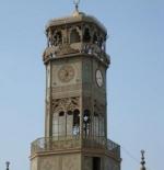 برج الساعة على جدران مسجد محمد علي في قلعة صلاح الدين