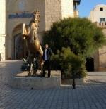 تمثال في مدينة الحمامات