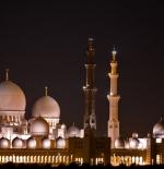 صورة مسجد الشيخ زايد ليلاً