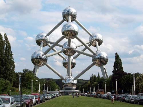 ¶«-.¸¸.-»©¶ نــــــادرهـ غـــريـــبـــه عــجــيــبه صــور Atomium-Brussels-Belgium.jpg