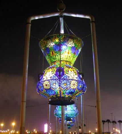 ���(`�[� ������ⓘⓣⓨ�������� �]״)��� Lamp-or-Lantern-Sculpture-in-Jeddah-C-T.jpg